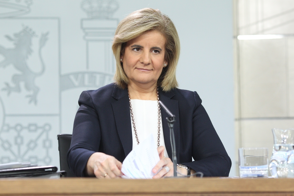 Báñez: «Los pensionistas son personas, no votos, y hay que darles tranquilidad»