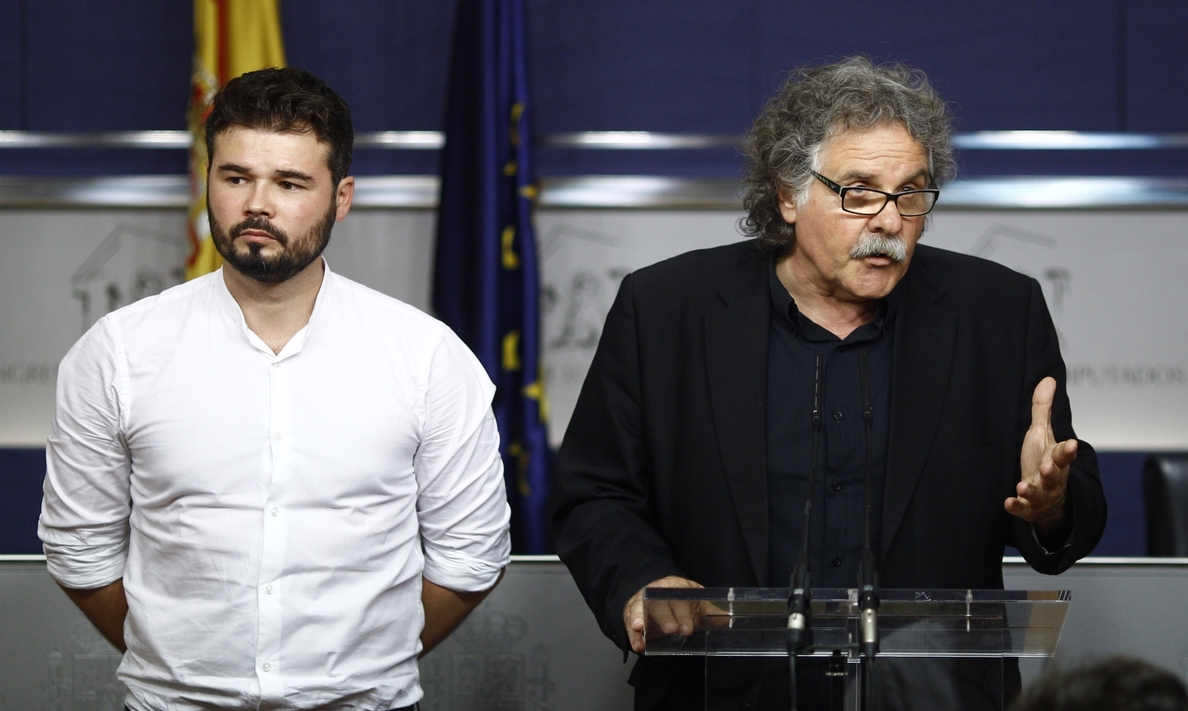 ERC apela a Unidos Podemos y PSOE para que el Congreso permita mañana despenalizar injurias al Rey y quema de banderas