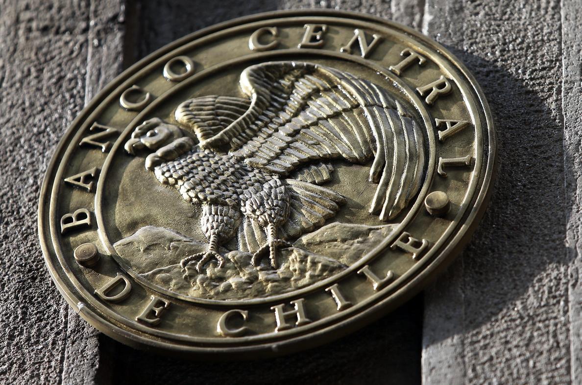 Expertos suben al 3,5 % la proyección del crecimiento del PIB chileno en 2018
