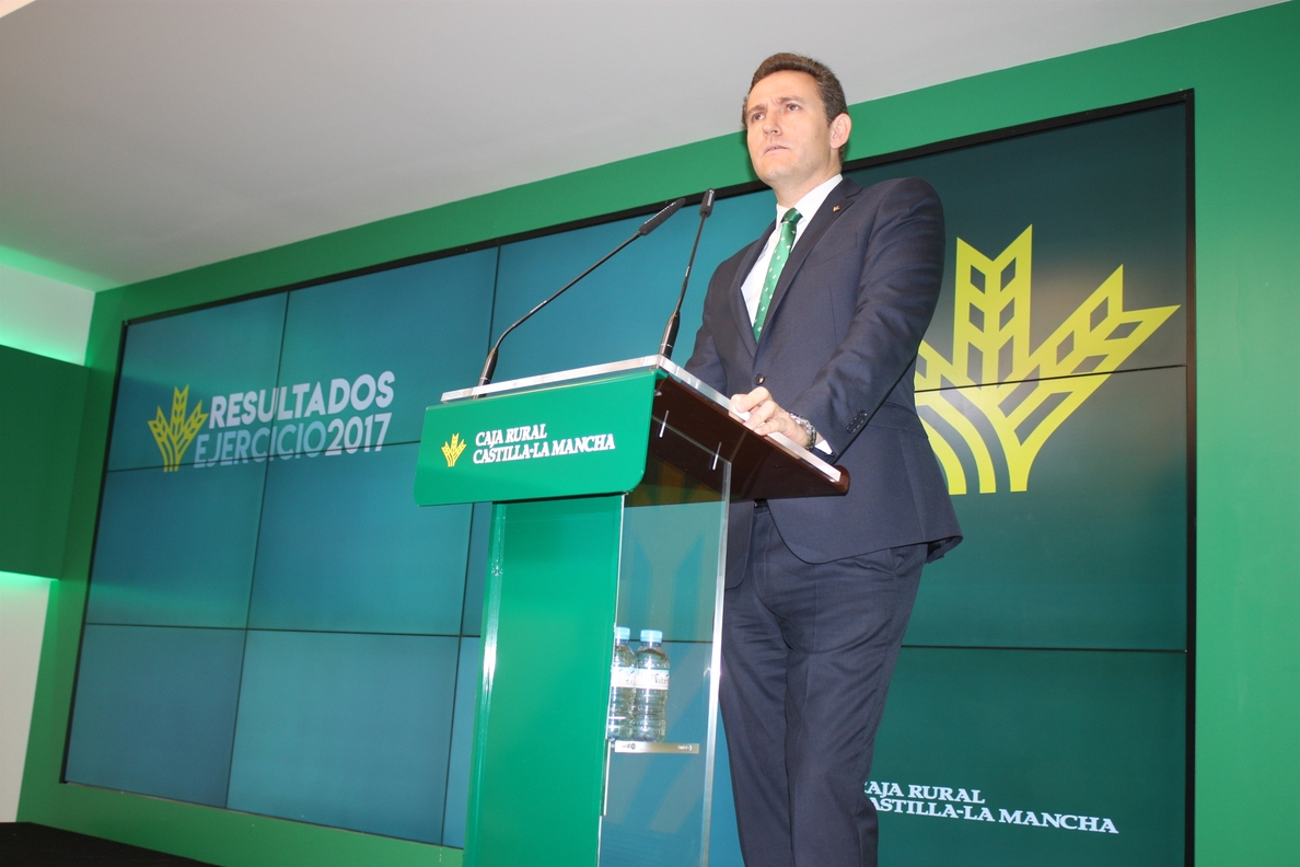 Caja Rural C-LM, sobre el impuesto a la banca del PSOE: «Que se lo cobren a los que han recibido ayudas»