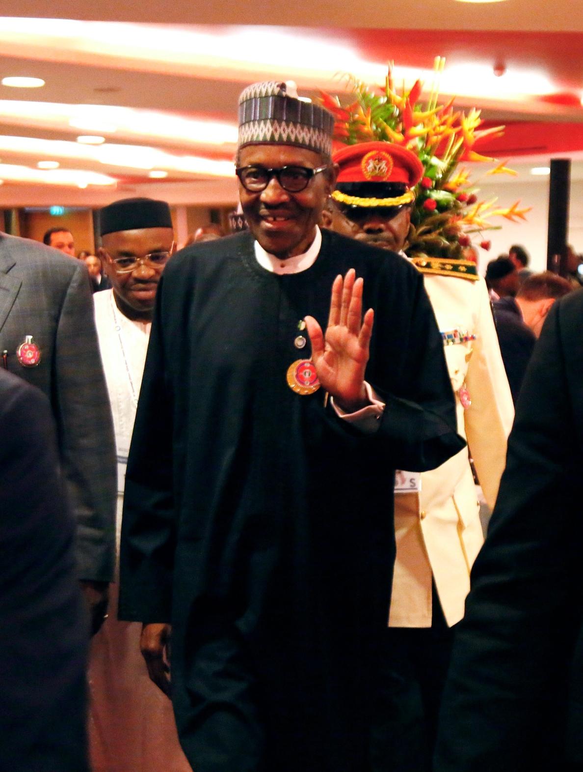 Nigeria prefiere negociar a opción militar para rescatar a 110 secuestradas