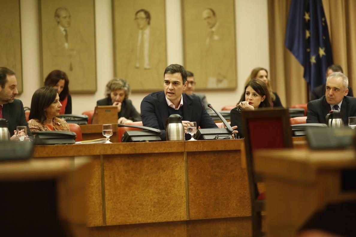 Pedro Sánchez reta a Rajoy a crear un impuesto extraordinario a la banca si no sabe cómo subir las pensiones
