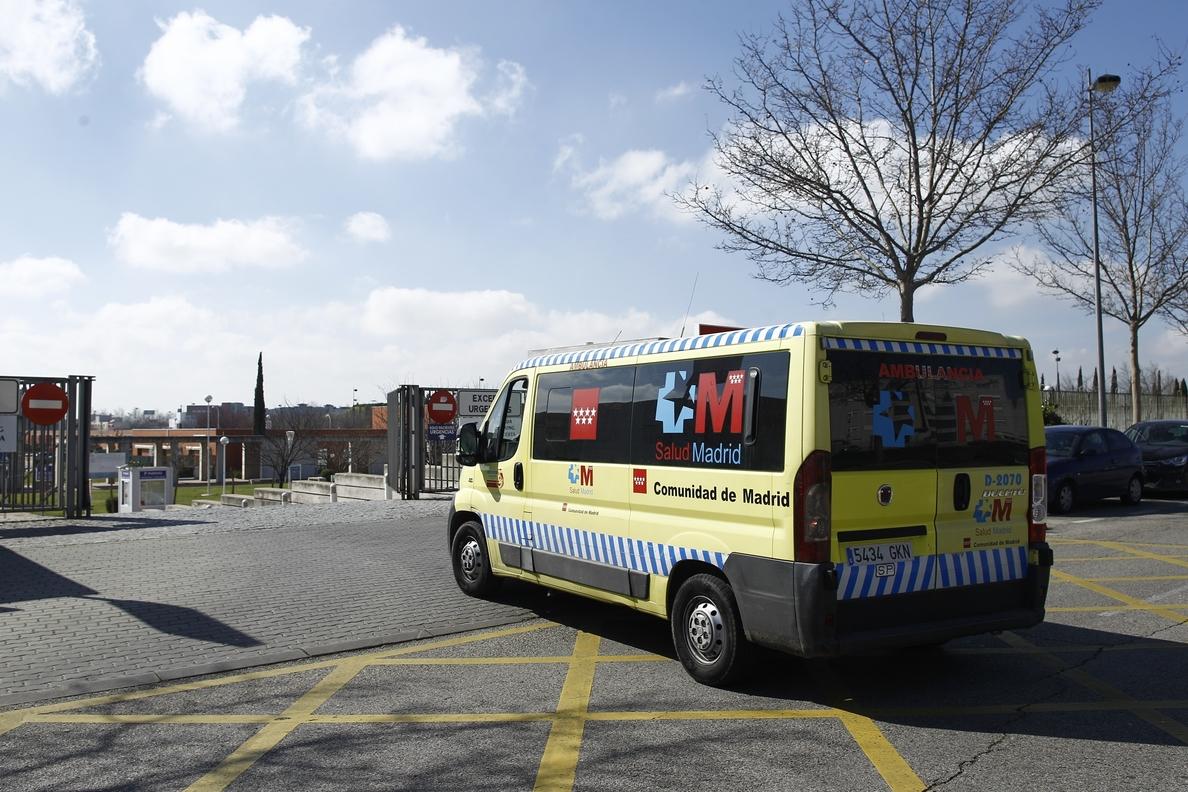 Podemos pide la dimisión de la «cúpula de Sanidad» en Madrid al estar querellados por concurso de ambulancias