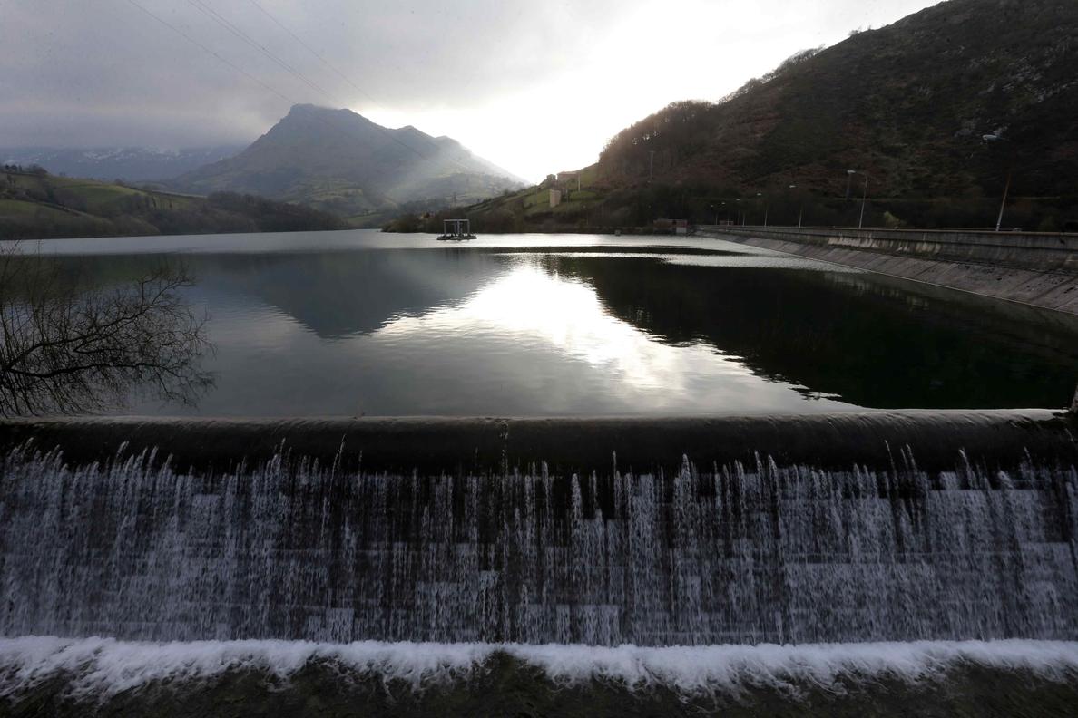 La reserva de agua sube hasta el 53,7 % y recupera valores de hace 9 meses