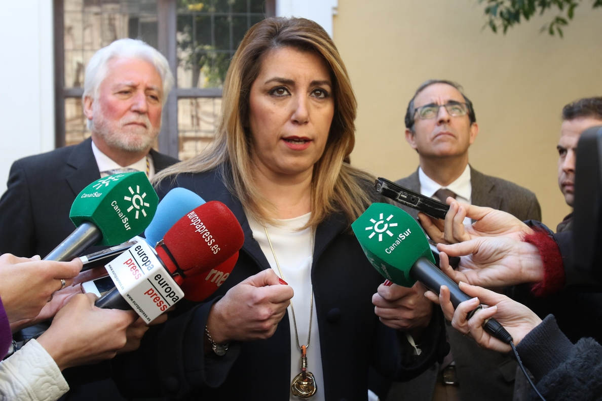 Susana Díaz se reunirá con Zoido para abordar medidas contra el narcotráfico en La Línea