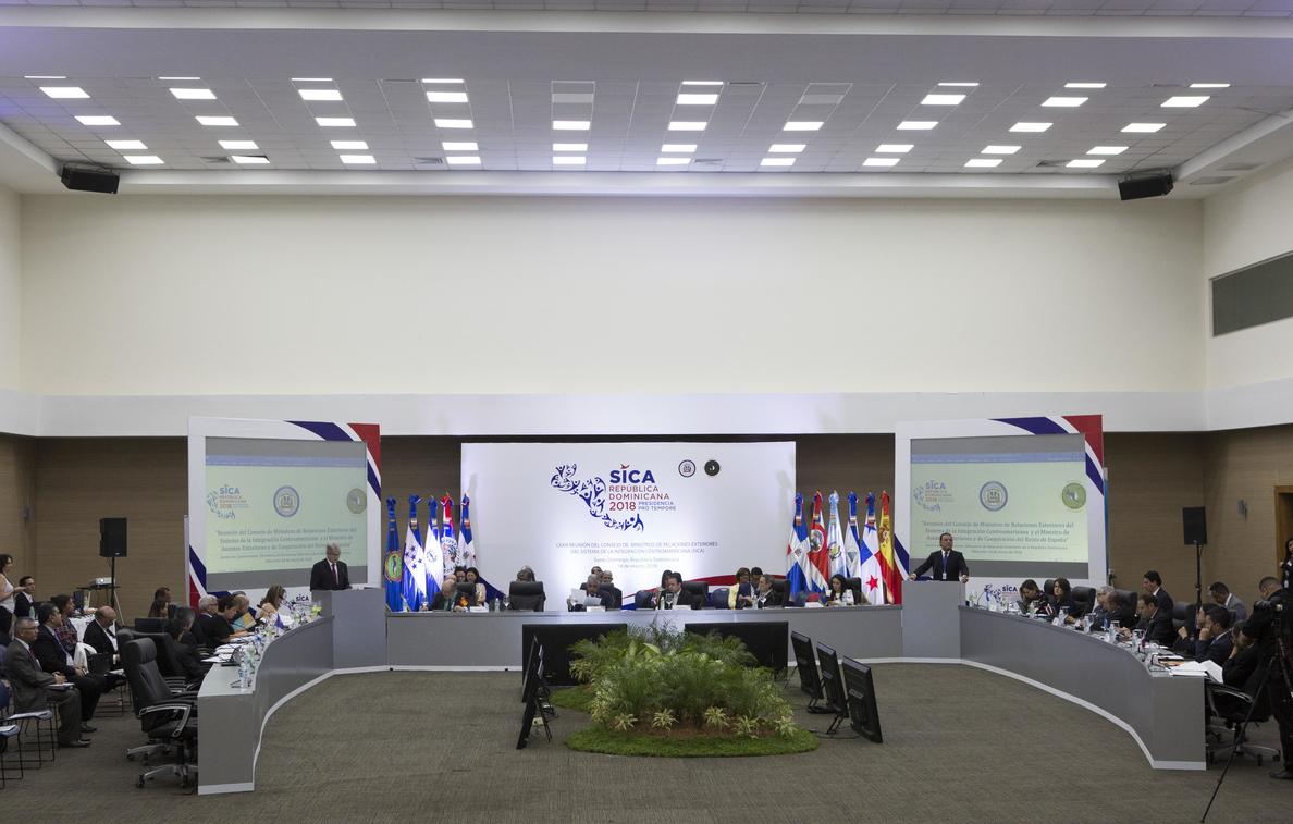 Los cancilleres de Centroamérica y España inician una reunión en Santo Domingo