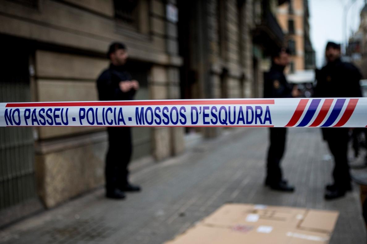 La Guardia Civil registra la sede de Òmnium y el despacho del secretario de Difusión