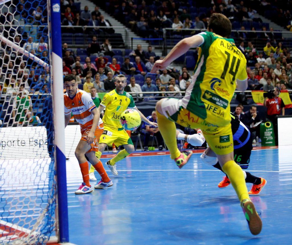 2-5. El Jaén contraataca hacia semifinales