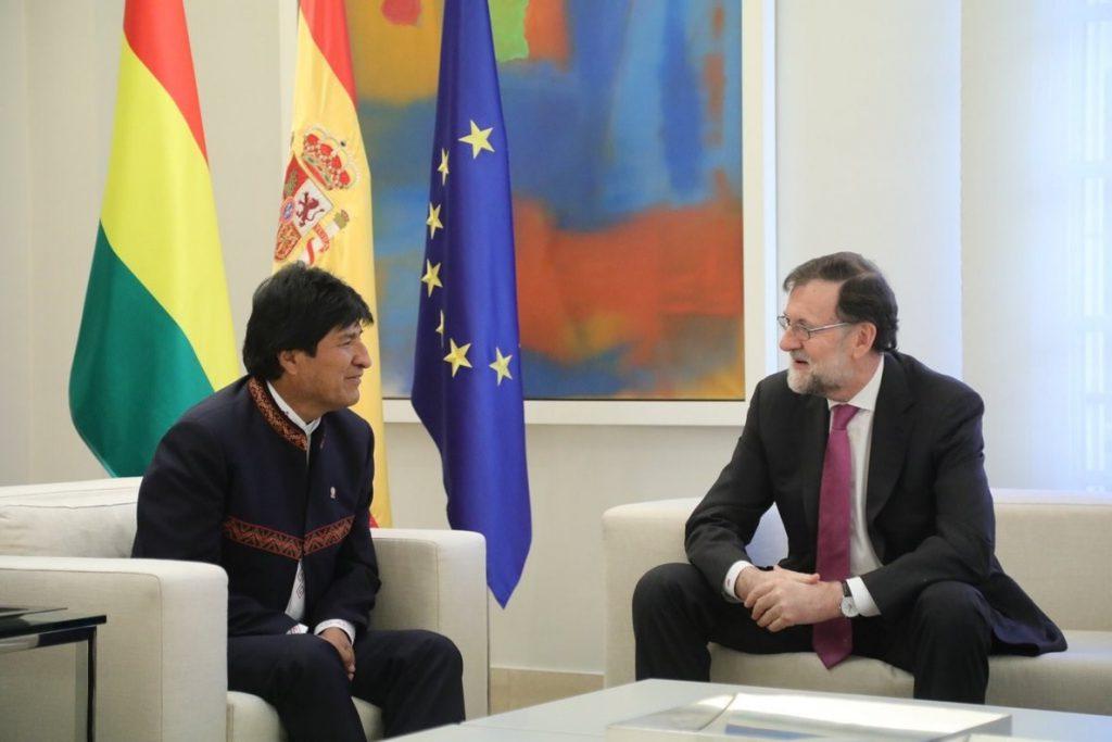 Rajoy dice, tras recibir a Evo Morales, que los bolivianos en España son un «valor añadido» del que están «orgullosos»
