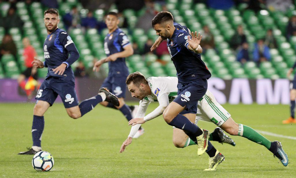 3-0. El Betis golea y pone rumbo a Europa