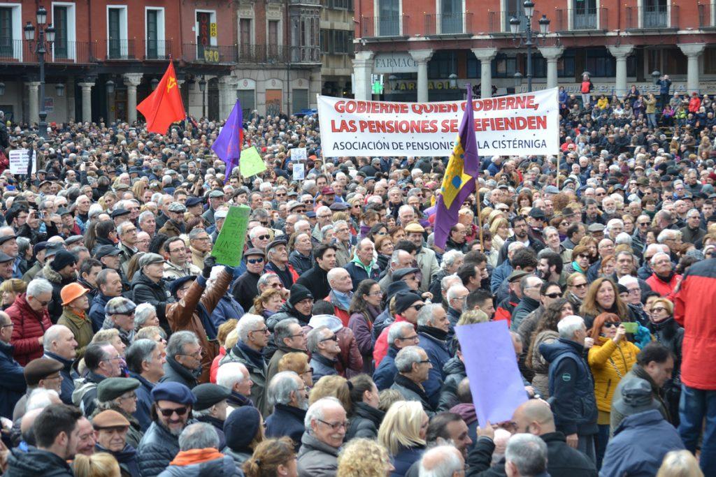 Miles de personas exigen al Gobierno en Valladolid que «dignifique» el sistema de pensiones