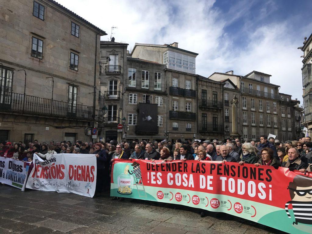 Miles de jubilados gallegos reclaman en las calles unas «pensiones dignas»
