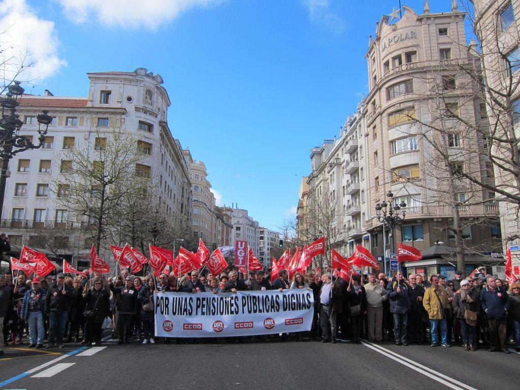 Miles de personas exigen pensiones dignas y un sistema sostenible en Santander