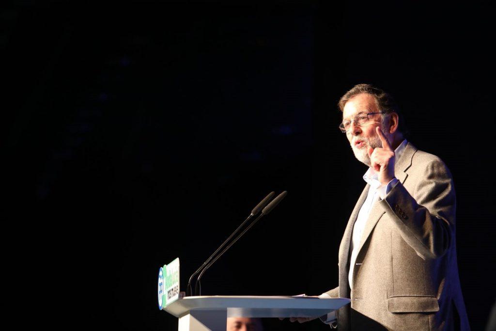 Rajoy pide al PSOE que «cambie de criterio» con la prisión permanente revisable para no dar «un paso atrás»