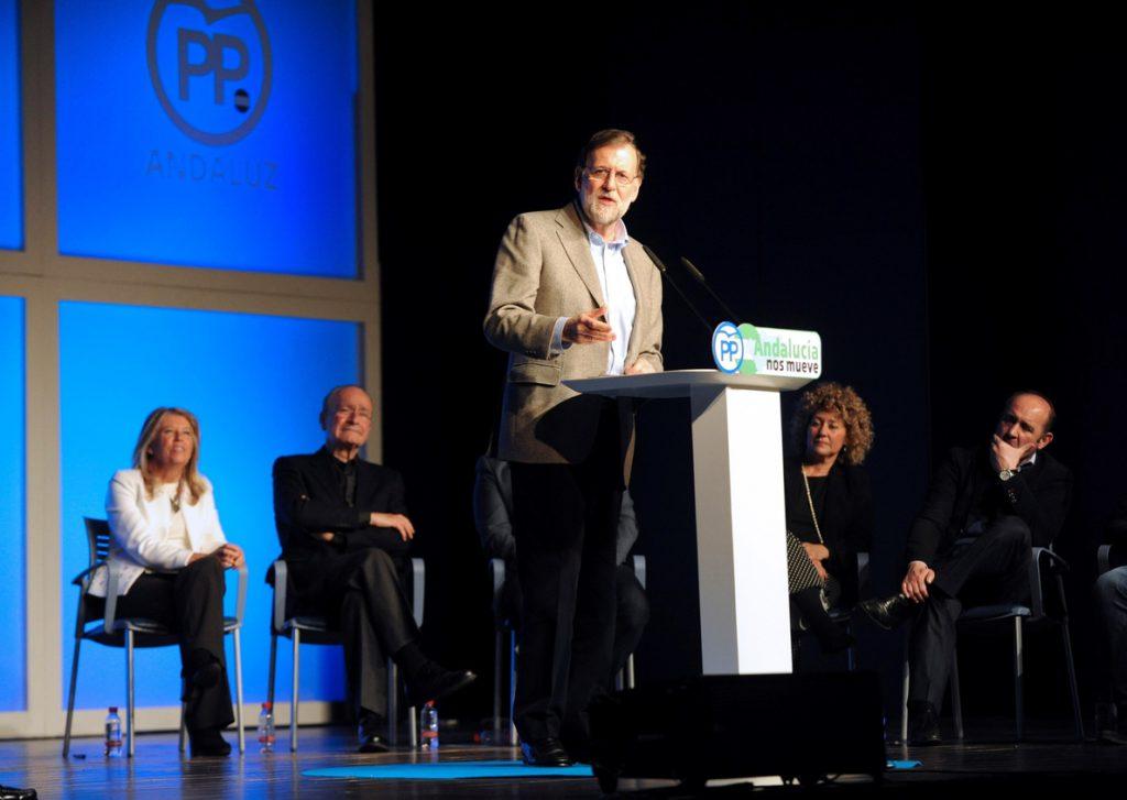 Rajoy pide al PSOE que rectifique con la prisión permanente y abandone el «extremismo»