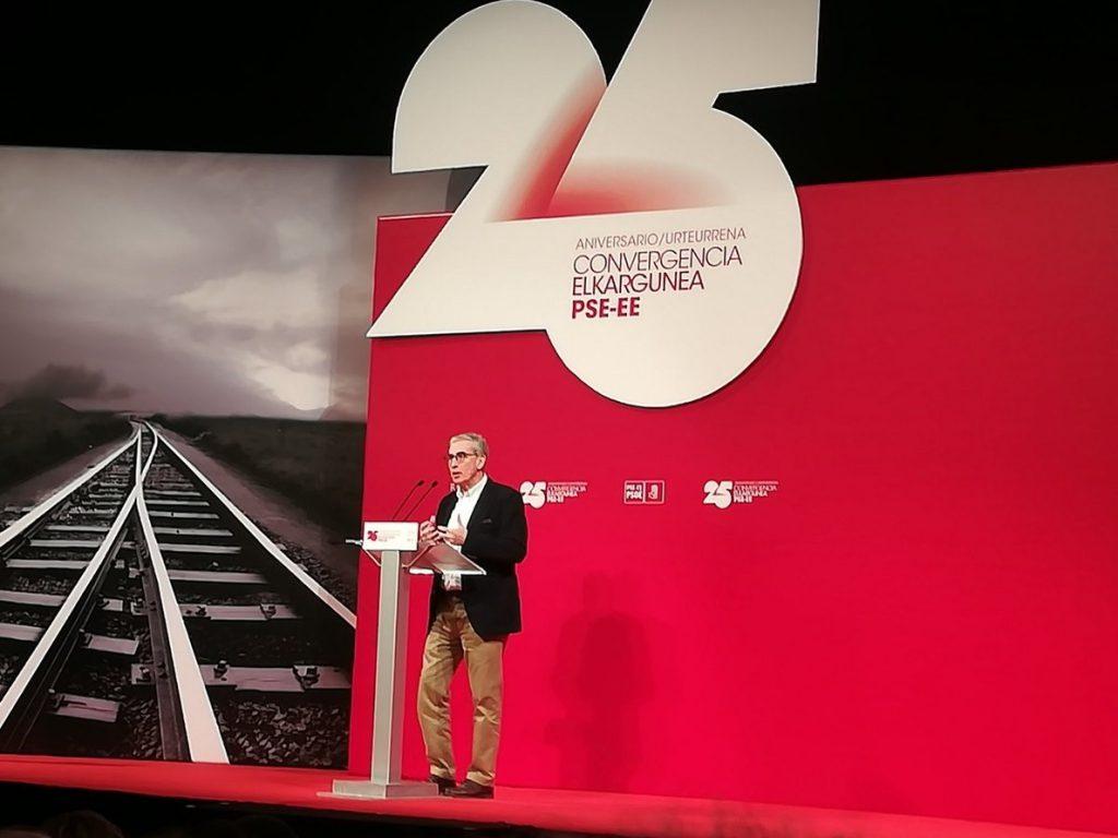 Ramón Jáuregui (PSOE) advierte de que el proyecto nacionalista «puede ser muy destructivo» y «arruinará Euskadi»