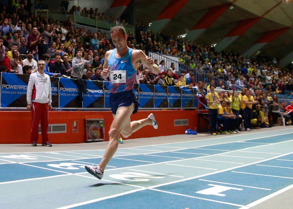 Toni Abadía bate el récord de España de 10 km en ruta con 27:46