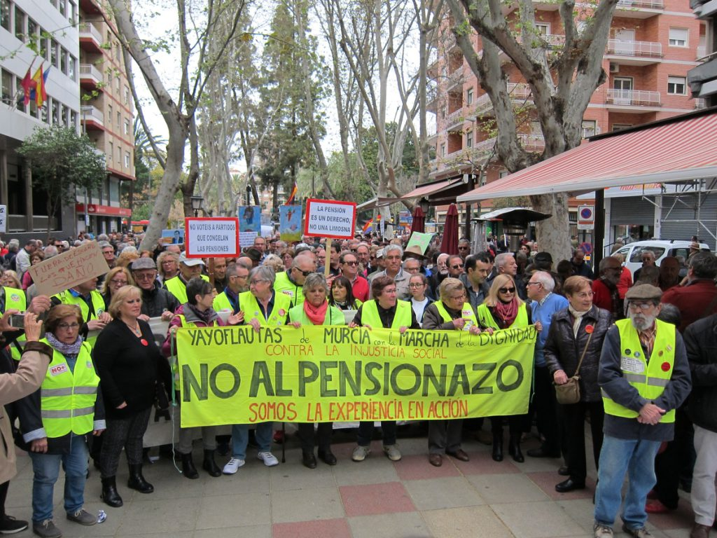 Unas 10.000 personas secundan en Murcia las movilizaciones en defensa del sistema público de pensiones