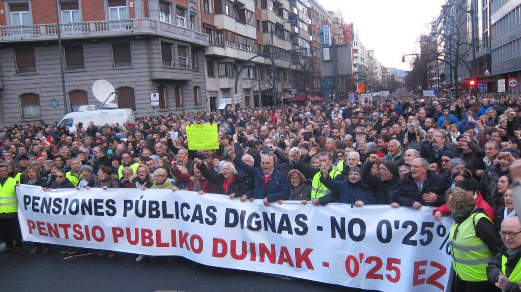 Una marea humana recorre las calles de Bilbao para exigir una pensiones públicas dignas y decir «no al 0,25%»