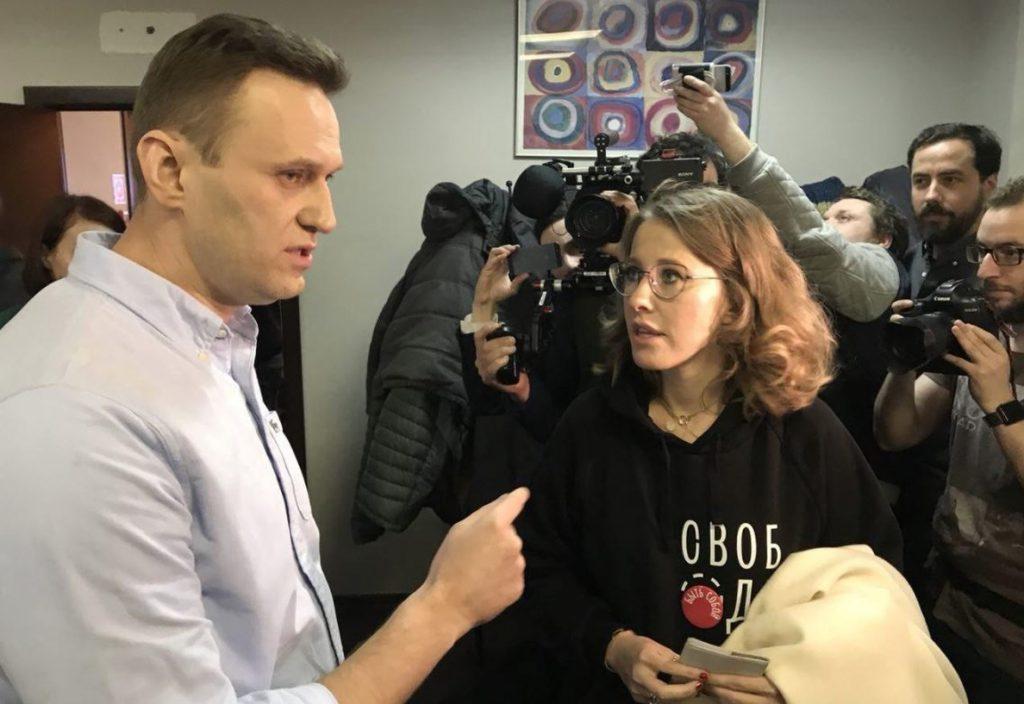 Navalni acusa a Sobchak de enfrentarse a Putin en las elecciones a cambio de dinero
