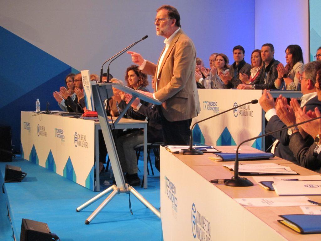 Rajoy: «Si seguimos creando empleo, las pensiones subirán más y pronto»