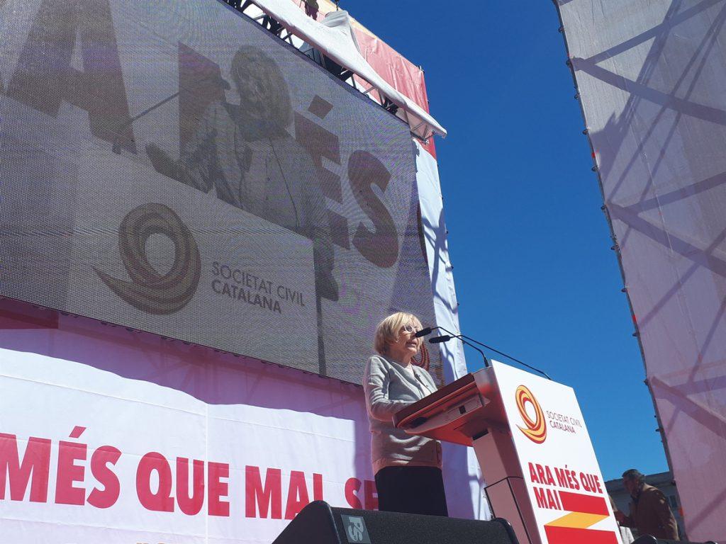 Rosa Maria Sardà pide diálogo al Gobierno y a los independentistas formar un Govern para todos