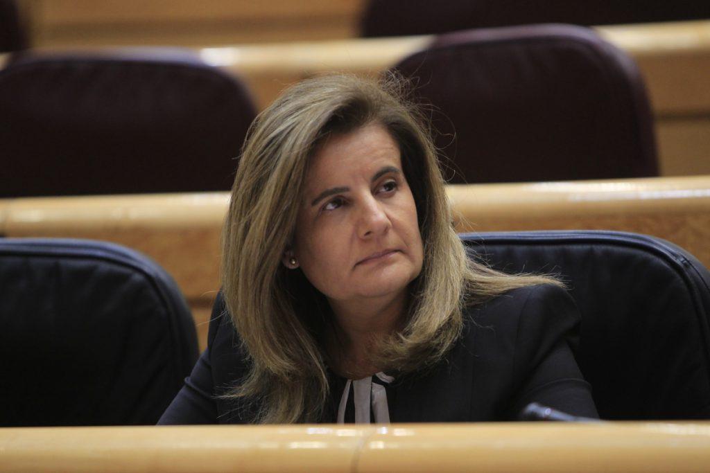 Báñez dice que el Gobierno tiene el compromiso de subir las pensiones cada año «todo lo que se pueda»