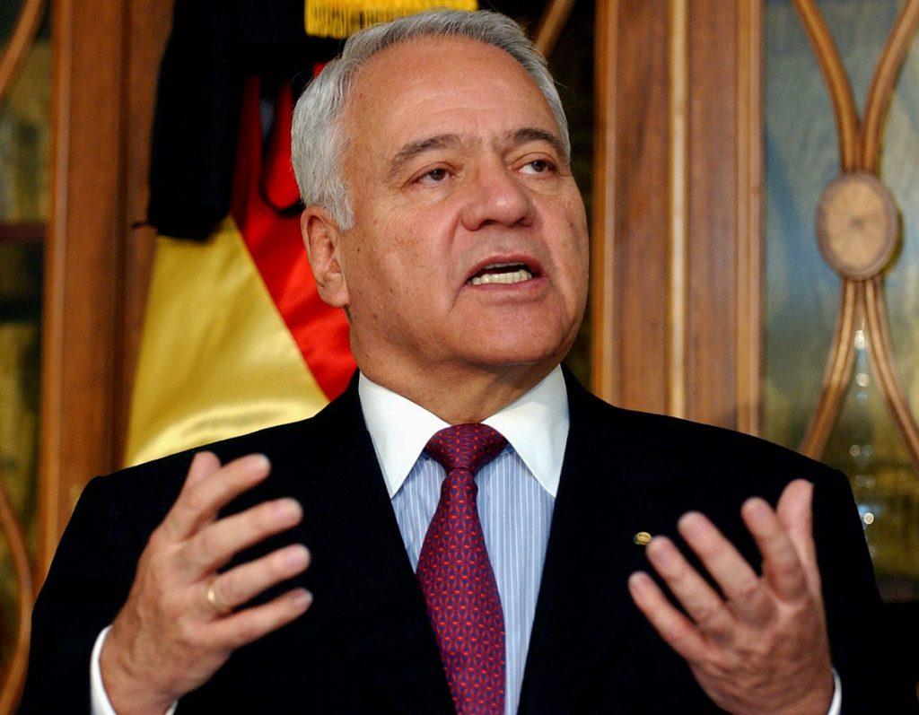 El expresidente boliviano Sánchez testifica en EE.UU. sin preguntas de demandantes