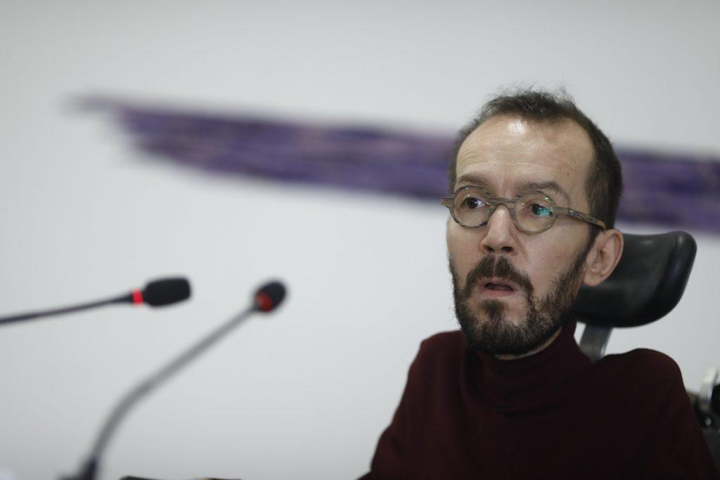 Echenique considera a Turull como un candidato «del 'tres per cent» y del partido de «los peores recortes de España»