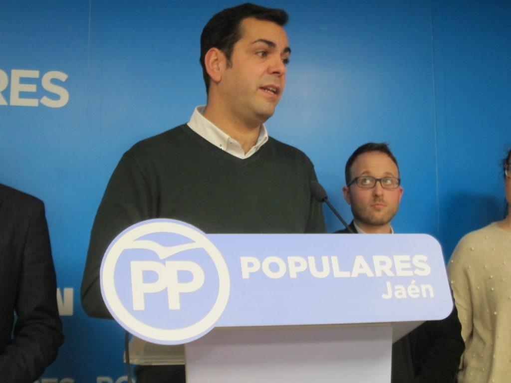 El presidente provincial del PP tacha de «desafortunadas» las palabras del afiliado de NNGG sobre Ruth Ortiz