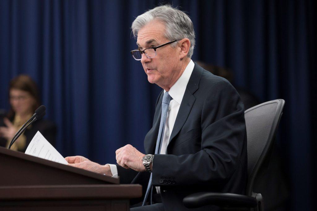 Powell dice que los aranceles de Trump preocupan a líderes empresariales de EE.UU.
