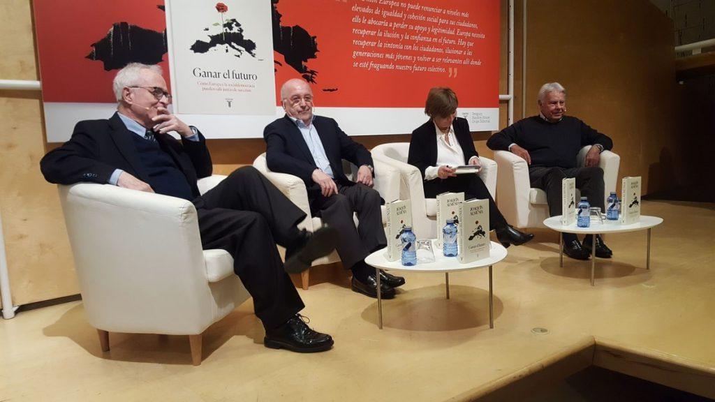 El excomisario europeo Almunia dice que Polonia y Hungría no son democracias, y lo duda en el caso de Eslovaquía