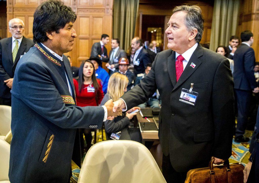 Ampuero vincula la política exterior de Bolivia con una campaña de Evo Morales