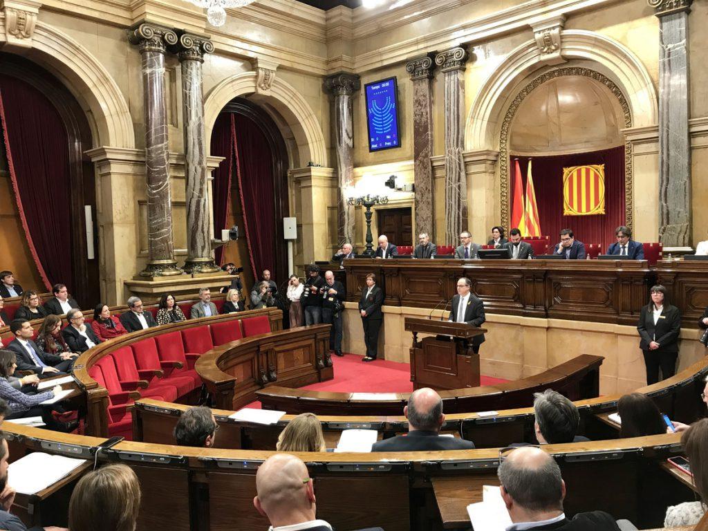 Turull se compromete a «revertir los daños del 155» y a desplegar la hacienda catalana