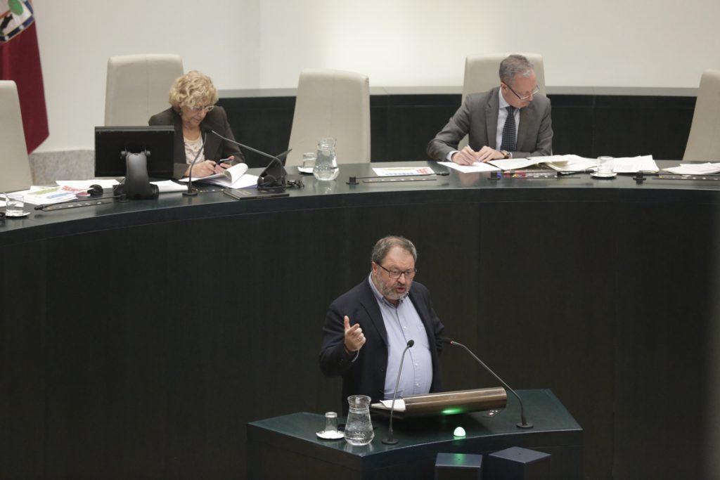 La oposición saca adelante la petición de dimisión de Barbero tras aprobar la moción de urgencia del PSOE