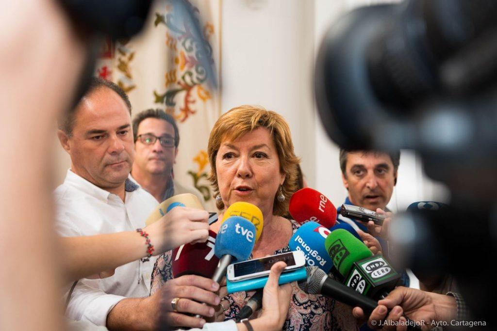 La senadora Barreiro se va al Grupo Mixto para no perjudicar al PP con los PGE tras retrasarse su proceso en el Supremo