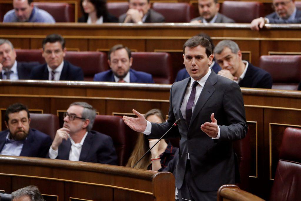Rivera afea a Rajoy que haya tardado 80 días en «echar» a la senadora del PP