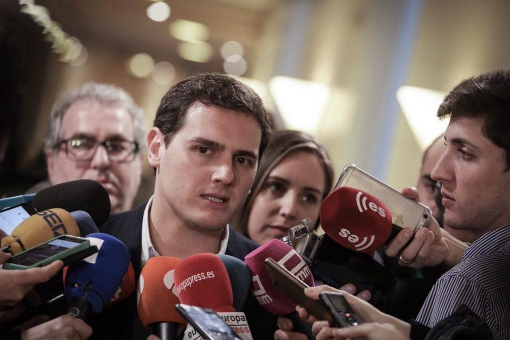 Rivera, tras la detención de Puigdemont: «Se acabó la fuga del golpista»