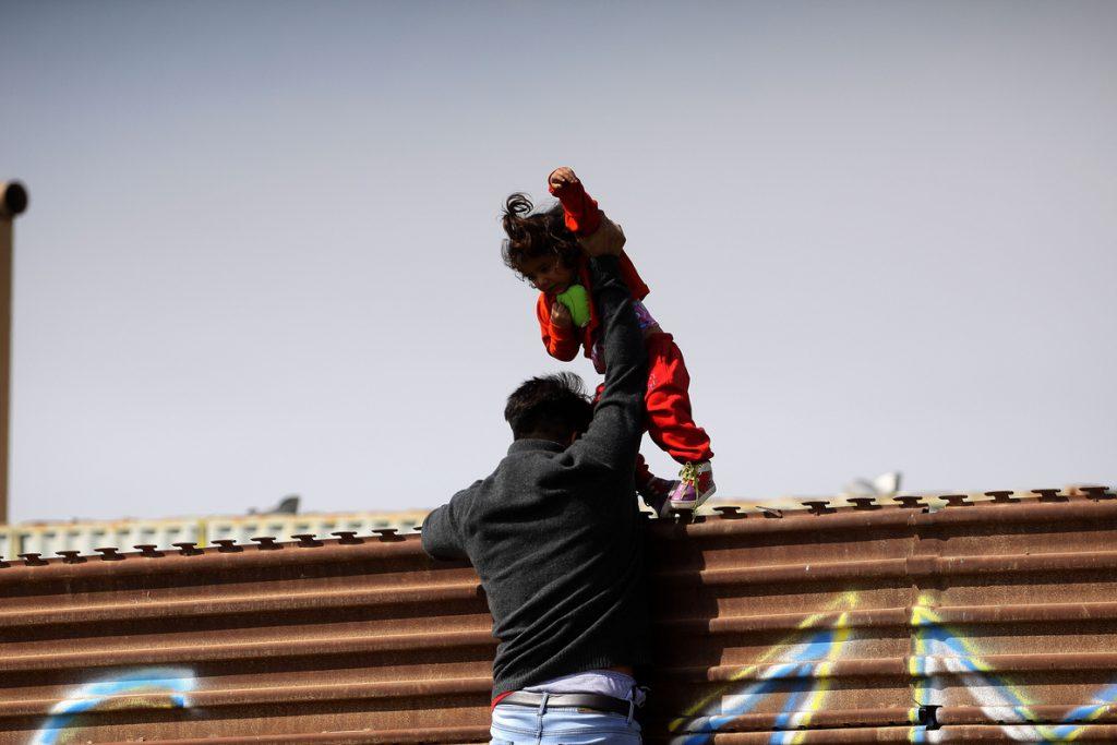 Trump dice que la construcción del muro con México comenzará «de inmediato»