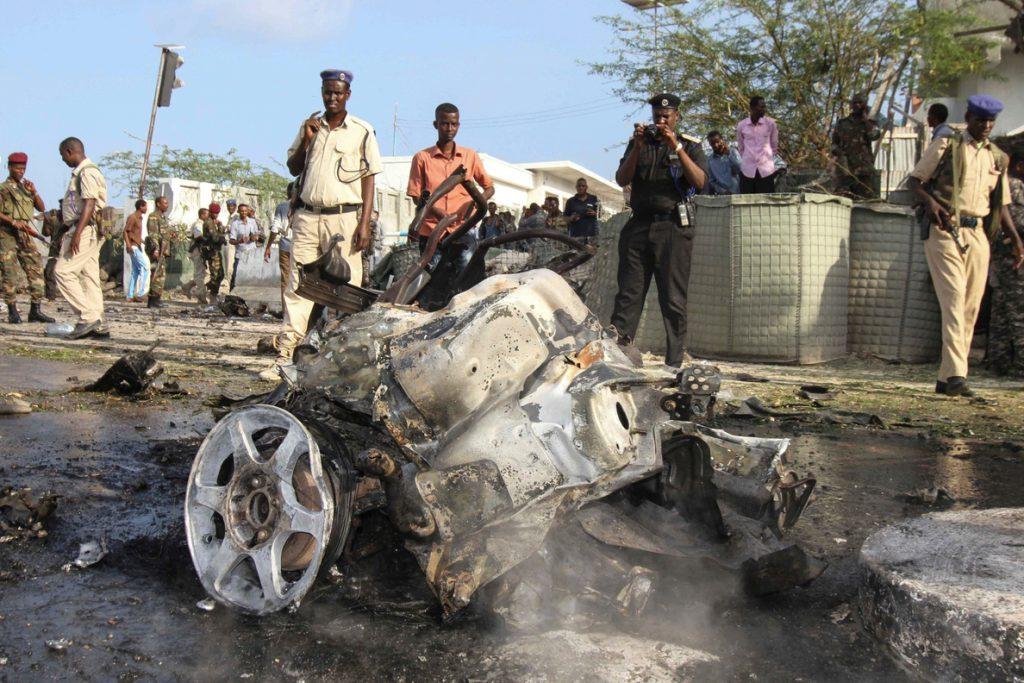 Al menos 7 muertos por un coche bomba en el Ministerio de Interior de Somalia