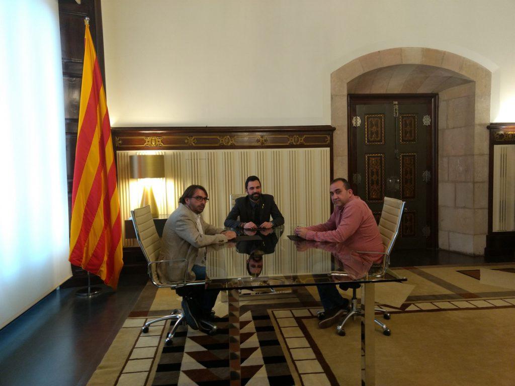 CC.OO y UGT de Cataluña piden a Torrent recuperar las instituciones catalanas