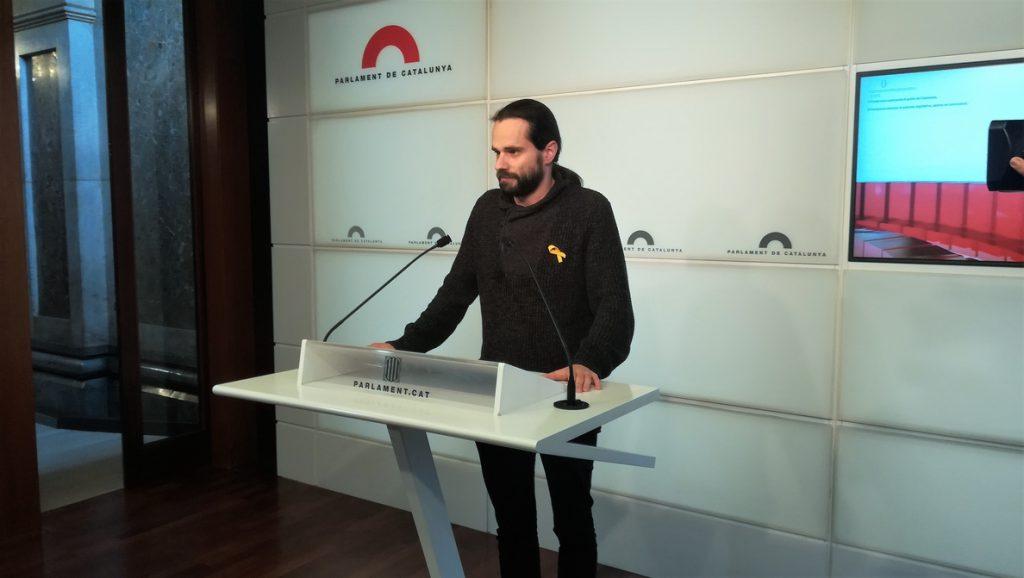 ERC ve factible sumar a los comuns en defensa de Puigdemont y los presos