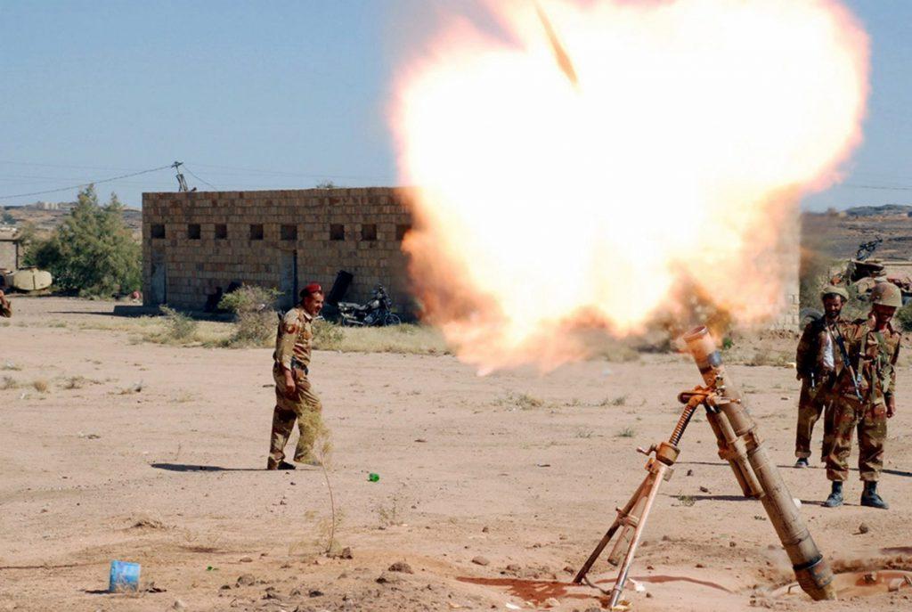 Rebeldes yemeníes aseguran que el lanzamiento de misiles es un «mensaje de paz»