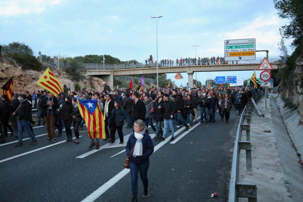 Reabierta la AP-7 en Figueres tras estar cortada casi ocho horas