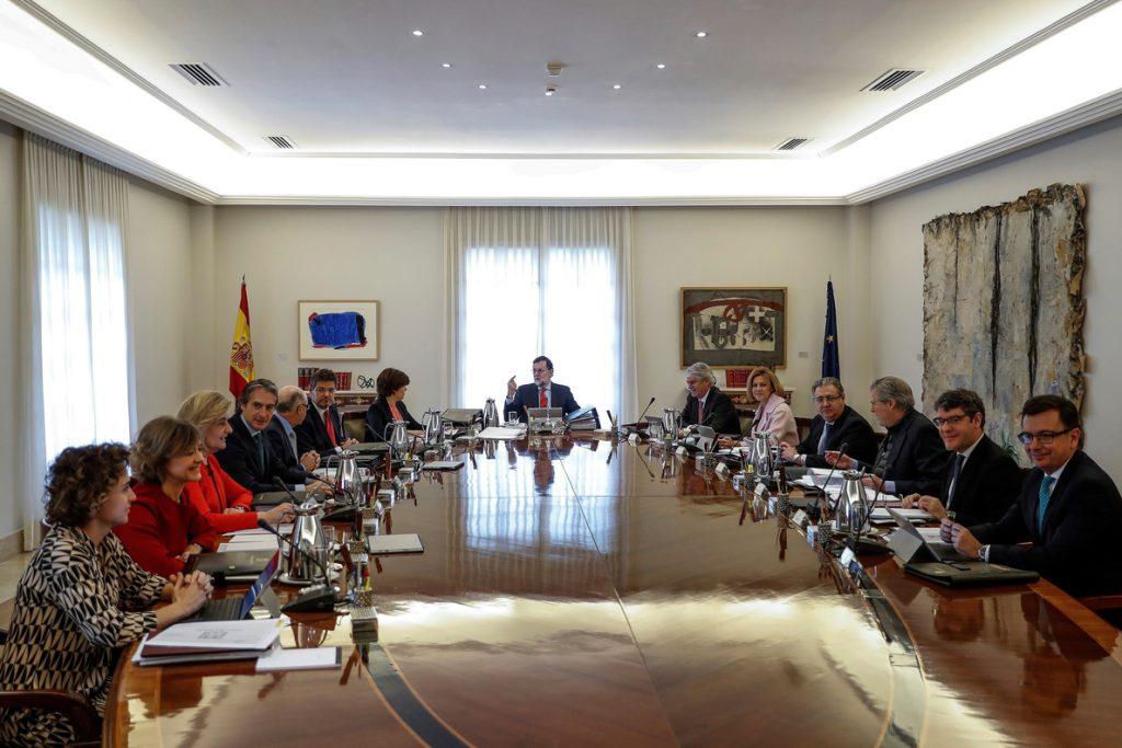 El Gobierno recurrirá las cuentas vascas por la subida salarial al funcionariado