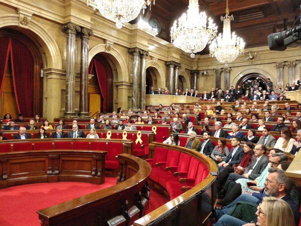 El Parlament catalán reivindica que Puigdemont, Sànchez y Turull puedan ser investidos