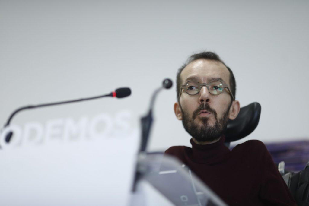 Echenique reivindica la propuesta de Domènech y recuerda a Ábalos que el PSC apoya a alcaldes independentistas