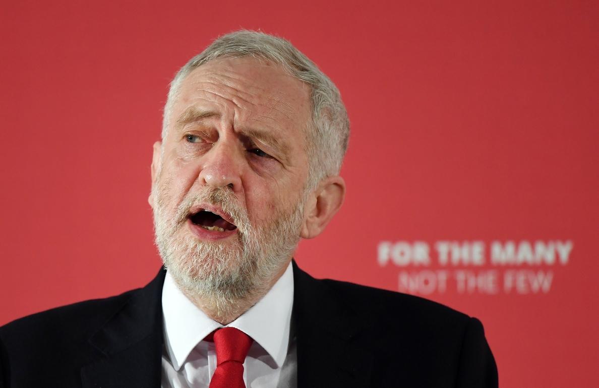 Corbyn tilda la ofensiva conjunta en Siria de «legalmente cuestionable»