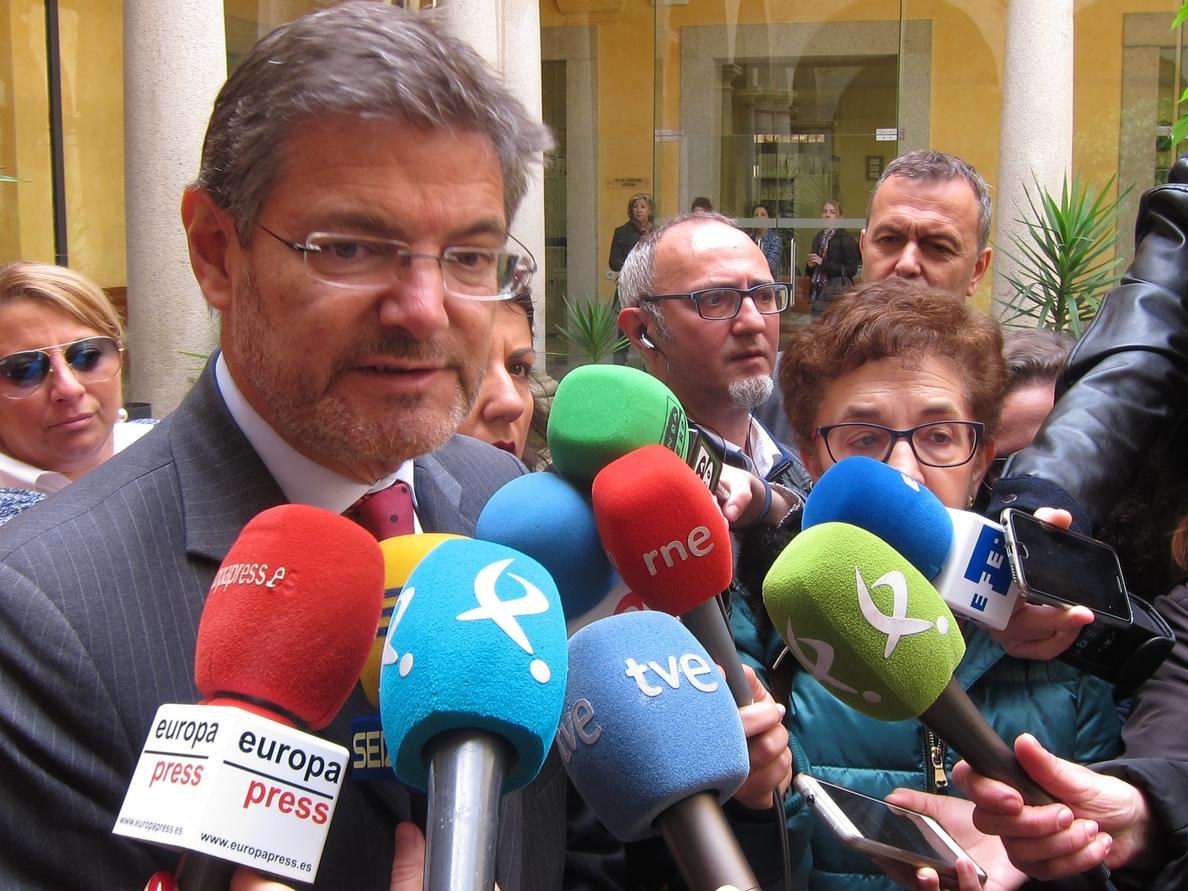 Catalá considera que hay «esperar» a las investigaciones en el caso Cifuentes y después «tomar las decisiones»