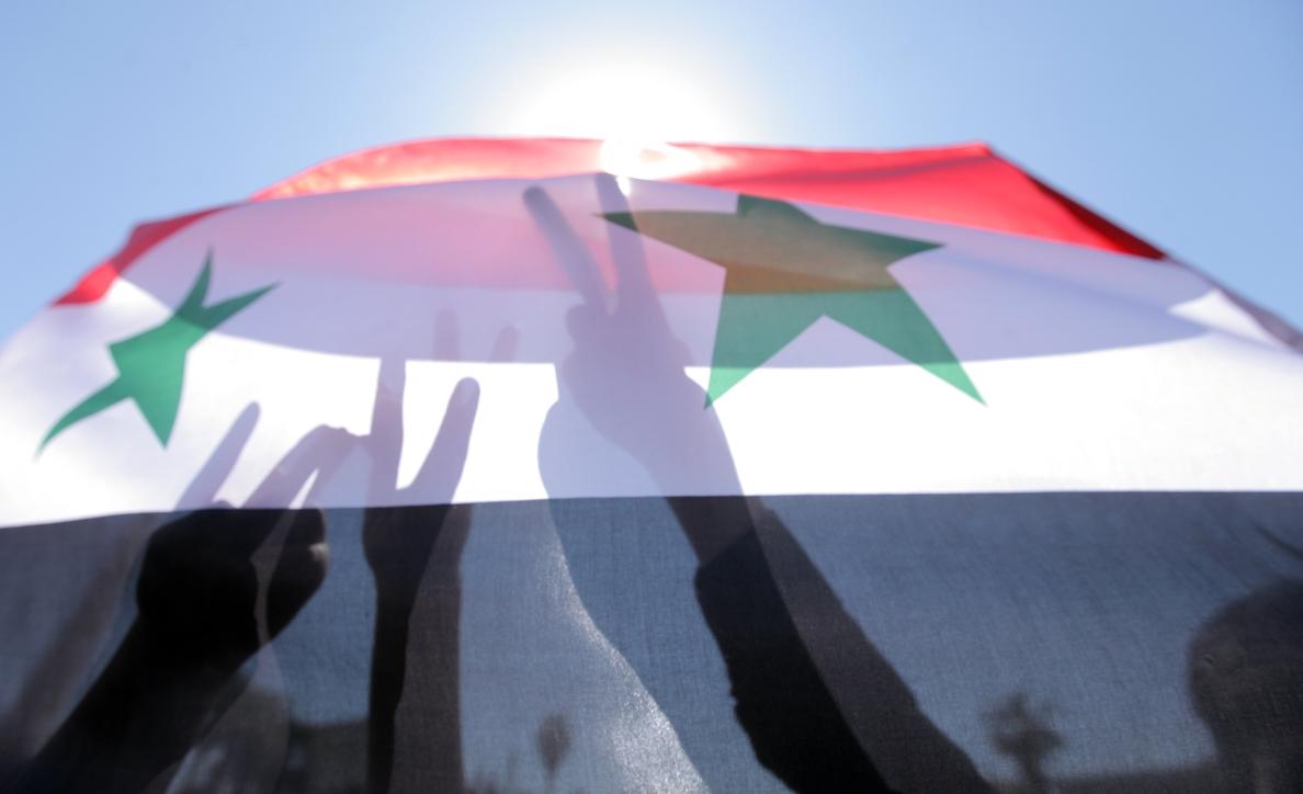 Intensos bombardeos en Homs y Hama tras el inicio de la ofensiva de Al Asad